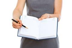 указывать пер блокнота крупного плана открытый Стоковое Изображение RF