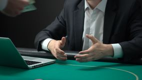 Укомплектуйте личным составом давать обломоки казино получая приз доллара, успешное онлайн пари, удачу видеоматериал