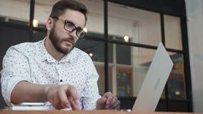Укомплектуйте личным составом оплачивать онлайн карточкой банка на компьтер-книжке видеоматериал