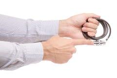 Укомплектуйте личным составом руки ` s замок комбинации для велосипеда Стоковая Фотография RF