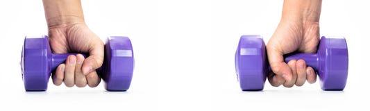 Укомплектуйте личным составом руку ` s держа гантель изолированный на белой предпосылке конец вверх concept healthy lifestyle стоковые изображения