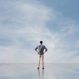 Укомплектуйте личным составом взгляд и откройте стоковые фото