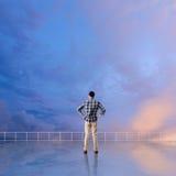 Укомплектуйте личным составом взгляд и откройте стоковые фотографии rf