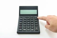 Укомплектуйте личным составом калькулятор черноты кнопки руки на белой предпосылке изолированной с путем клиппирования Стоковые Фото