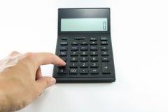 Укомплектуйте личным составом калькулятор черноты кнопки руки на белой предпосылке изолированной с путем клиппирования Стоковое Фото