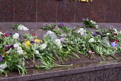 Украина, Киев - 05 9 2016: Люди празднуют день победы в улицах города, воинского музыканта Стоковые Изображения RF