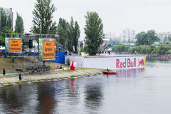 УКРАИНА, КИЕВ 2-ое июня красный Bull Flugtag стоковое фото rf