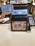 Украина Киев, 30-ое ноября 2017, коммерция столовой кассы ` s McDonald стоковые изображения