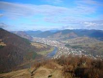 Украина прикарпатский взгляд сверху гор Стоковые Фото