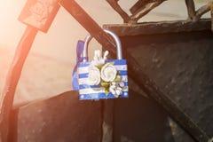 Украина, Berdyansk - 31-ое августа 2018: Striped синь с белым замком как символ замужества стоковая фотография rf