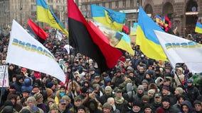 Украина kiev 5-ое декабря 2017 Повстанец людей против силы Столкновения людей с полицией Протест против видеоматериал