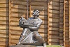Украина kiev Памятник принца Yaroslav мудрое около золотого строба Стоковая Фотография