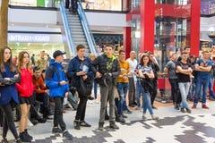 Украинец, Львов - Mai 2017: ФОРУМ магазина разбивочный Торговый центр Arese, самый большой торговый центр в украинце Стоковая Фотография