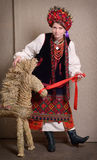 Украинская женщина в национальном костюме Стоковые Изображения