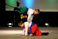 Украинские танцоры мальчика стоковая фотография
