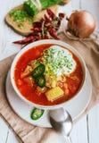 Украинский национальный борщ супа с свежие chives и сметана Стоковое Фото