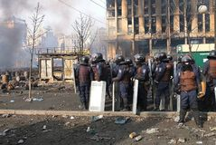 Украин, Киев Улица протестует в Киеве на Maidan, утомленной полиции Стоковое Изображение RF