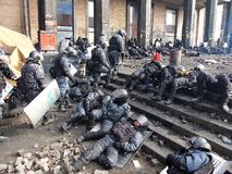 Украин, Киев Улица протестует в Киеве на Maidan, утомленной полиции Стоковая Фотография