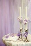 2 украсили wedding свечи красивые на таблице Стоковые Фото