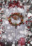 Украшение венка на двери для рождества Стоковое Изображение