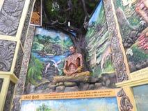 Украшение виска и большой памятник Будды, туристское назначение, Шри-Ланка стоковое фото rf