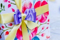 Украшение ленты подарочной коробки Стоковые Изображения