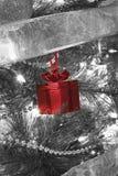 Украшение дерева формы подарка на рождество Стоковое фото RF