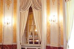 Украшение золота на стенах декоративных элементов в стиле барокко Стоковые Изображения RF