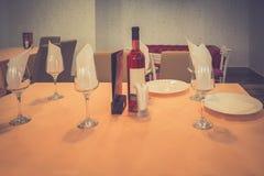 Украшение или установка таблицы ресторана для обедающего Стоковое Фото