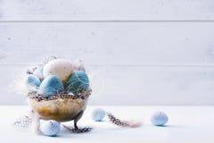 Украшение искусства праздничное с пасхальными яйцами Стоковое Изображение RF