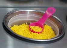 Украшение кондитерскаи для сладостного десерта мороженого в металле Стоковая Фотография