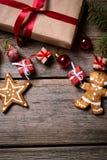 Украшение на рождество и Новый Год на деревянной предпосылке Стоковые Фотографии RF