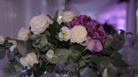 Украшение на свадьбе в ресторане сток-видео