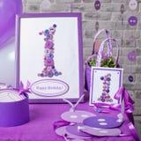 украшение дня рождения счастливое один год Декоративная рамка с figur Стоковое Изображение RF