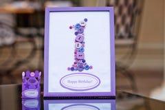 украшение дня рождения счастливое один год Декоративная рамка с figur Стоковая Фотография