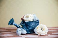 Украшение пасхи с пастельными цветами Стоковые Изображения RF