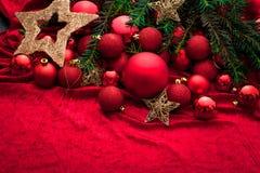 Украшение пришествия с горя свечой звезды абстрактной картины конструкции украшения рождества предпосылки темной красные белые стоковое фото