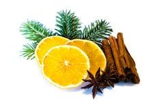 Украшение рождества апельсина ели изолированное на белой предпосылке стоковые фото