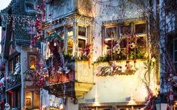 Украшение рождества дома в городе страсбурга Стоковые Фотографии RF