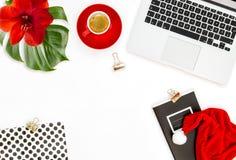 Украшение рождества кофе портативного компьютера рабочего места офиса красное Стоковое Фото