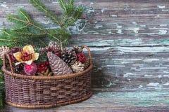 Украшение рождества на деревенской предпосылке Стоковое Изображение