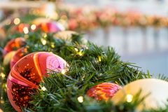 Украшение рождества с шариками рождественской елки Стоковая Фотография