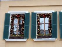 Украшение рождества улицы Windows Стоковые Изображения