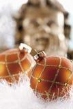 Украшение рождества, безделушки рождества и гирлянда, ангел рождества в предпосылке Стоковая Фотография RF