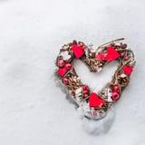 Украшение рождества в лесе Snowy Стоковые Изображения RF