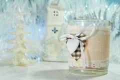 Украшение рождества на голубой предпосылке - украшение дерева и свеча рождества Стоковая Фотография RF