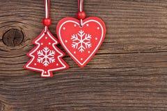 Украшение рождества над деревянной предпосылкой стоковое изображение rf