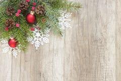 Украшение рождества на деревянных досках Стоковое фото RF