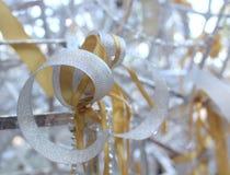 Украшение рождества на предпосылке ленты сбор винограда типа лилии иллюстрации красный Стоковые Фото