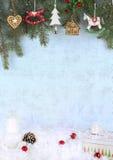 Украшение рождества над рождественской открыткой предпосылки grunge Стоковое Изображение